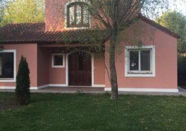 GRAN OPORTUNIDAD !!!! Casa en Alquiler / Venta 3 dormitorios en Planta Baja. Barrio Privado El Rocío