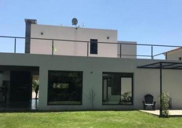 VALDEVEZ - Casa Minmalista con gran fondo